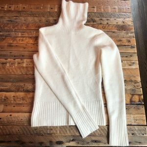 Cozy fitted turtleneck.